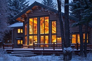 The Clear Creek Group - Distinctive Lodging :: Private luxury homes for rent, from quiet creekside cabins to grand estates, and personal concierge services. Private chefs, lift tickets – the very best of Jackson Hole.