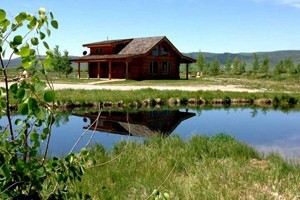 Feathered Hook - Private Fly Fishing & Cabins :: Premier guided fly fishing on private blue ribbon rivers & spring creeks! Stay in one of our luxury self-catered cabins & catch trophy trout right out your door! Book today!