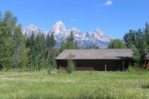Dornan's Spur Ranch Cabins - Grand Teton NP