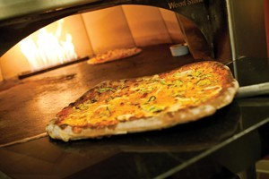 Pizzeria Caldera: Just Off the Town Square :: Thin crust, stone-hearth oven pizza at it's best! Also serving freshly made salads & soups, micro-brews and affordable wines. Family-friendly & great view of the Town Square!