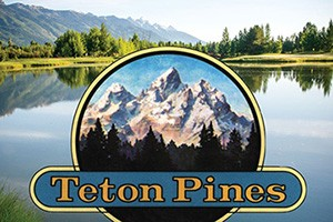 Teton Pines Cross Country & Nordic Skiing :: Teton views and wildlife make cross country or nordic skiing on miles of private trails special. Warm up with a hot chocolate in the club house after!