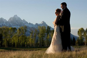 Jackson Hole Golf and Tennis Club :: Unrestricted views of the Tetons, new event facilities, and a professional events staff. The Jackson Hole Golf & Tennis Club is the perfect setting for Teton Weddings.