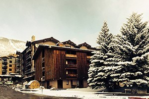 Hostel JH: Jackson's Only Slopeside Budget Inn :: True ski-in/ski-out, recently renovated, and always the LOWEST RATES in Teton Village. With private guestrooms we're more like a motel than a hostel. Discounted lift tickets!