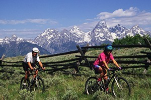 Teton Mountain Bike Tours and local bike rentals :: Enjoy fun full- and 1/2-day guided bike tours showing Teton highlights. Easy riding for all ages (full suspension bikes) including kids, plus multi-day package options.