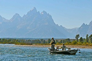 Grand Teton Fly Fishing :: Spring High Water Special - 1/2 day guided fishing from Jackson Lake Dam to Pacific Creek, $425. Clearest water on the Snake River! Book now thru May 31st.