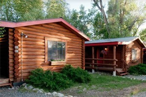Teton Valley Cabins :: Affordable log cabins in Teton Valley! Convenient location to explore Teton Valley, the National Parks & Jackson Hole - Pet Friendly, Hot Tub, Wi-Fi, Great for families.