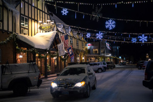The Wort Hotel - Click for Current Package Deals :: Luxury historic hotel on the town square, in the heart of Jackson Hole. Free ski shuttle, full-service restaurant & bar with live entertainment. Walk to shops & restaurants.