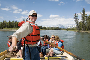 Grand Teton Lodge Company :: Wild and scenic river rafting in Grand Teton National Park provides inspiring mountain views while spotting bald eagle, osprey, beaver, buffalo and elk.