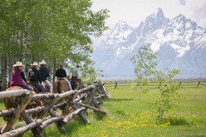 Lost Creek Ranch and Spa - Easy Getting Here : Exquisite Dude Ranch amidst the backdrop of the Teton Range. Rustic cabin accommodations, fine cuisine, premier spa, horseback riding, fly fishing, & more!  Wyoming's finest!