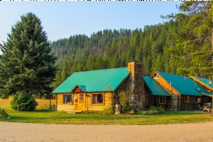 Box Y Lodge and Guest Ranch :: Wilderness lodge & Guest Ranch located on the Grey's River in southwestern Wyoming. Guests enjoy rustic cabins, horseback riding, fishing, hiking, & more! Book now for summer!