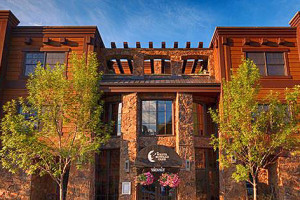 White Buffalo Club - save 10% on 2 or more nights