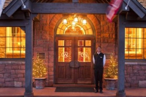 The Wort Hotel - Luxury Lodging on the Town Square