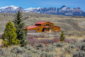 Big Diamond Ranch Homes - overlooking Wind River