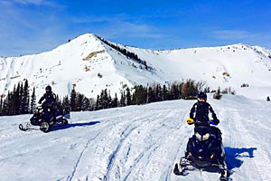 Box Y Lodge and Snowmobiler Cabins