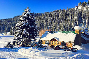 Box Y Snowmobile Lodge & Cabins
