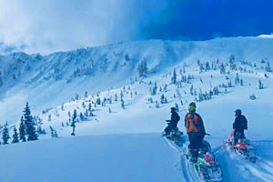 Box Y Lodge - warm cabins & snowmobiling packages