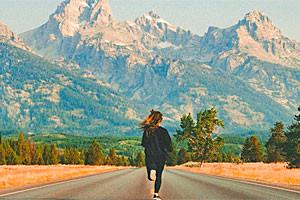 Contiki   Exceptional Tour in Tetons & Yellowstone