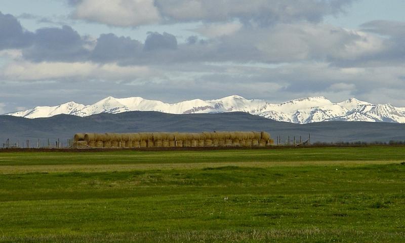 Bondurant and Wyoming Mountain Range