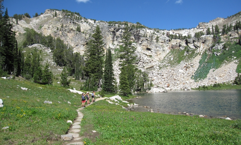 Holly Lake is located up Paintbrush Canyon